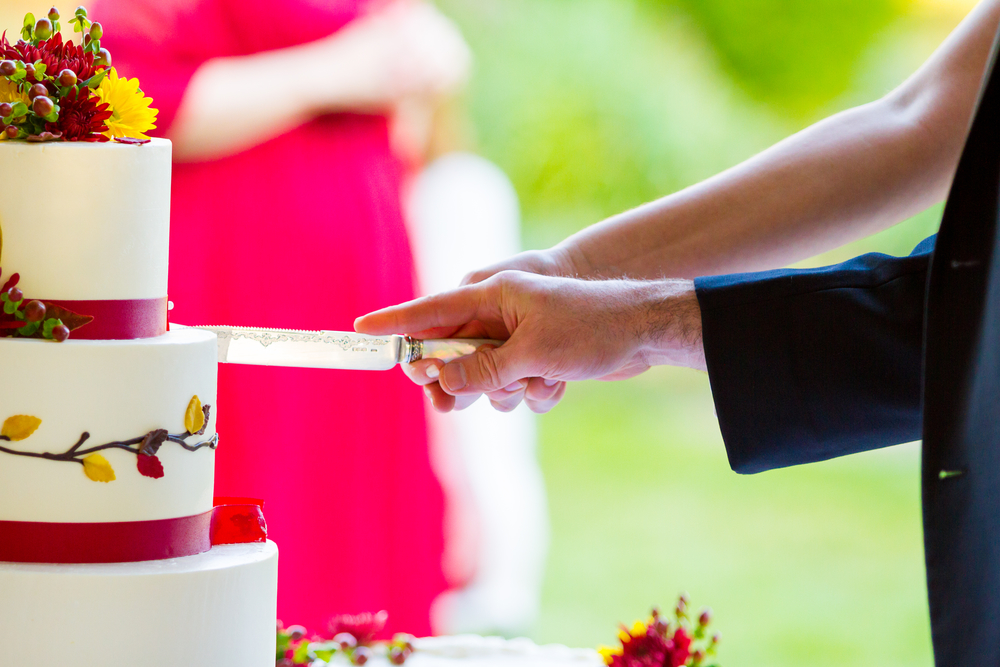 How to Avoid Wedding Cake Disasters